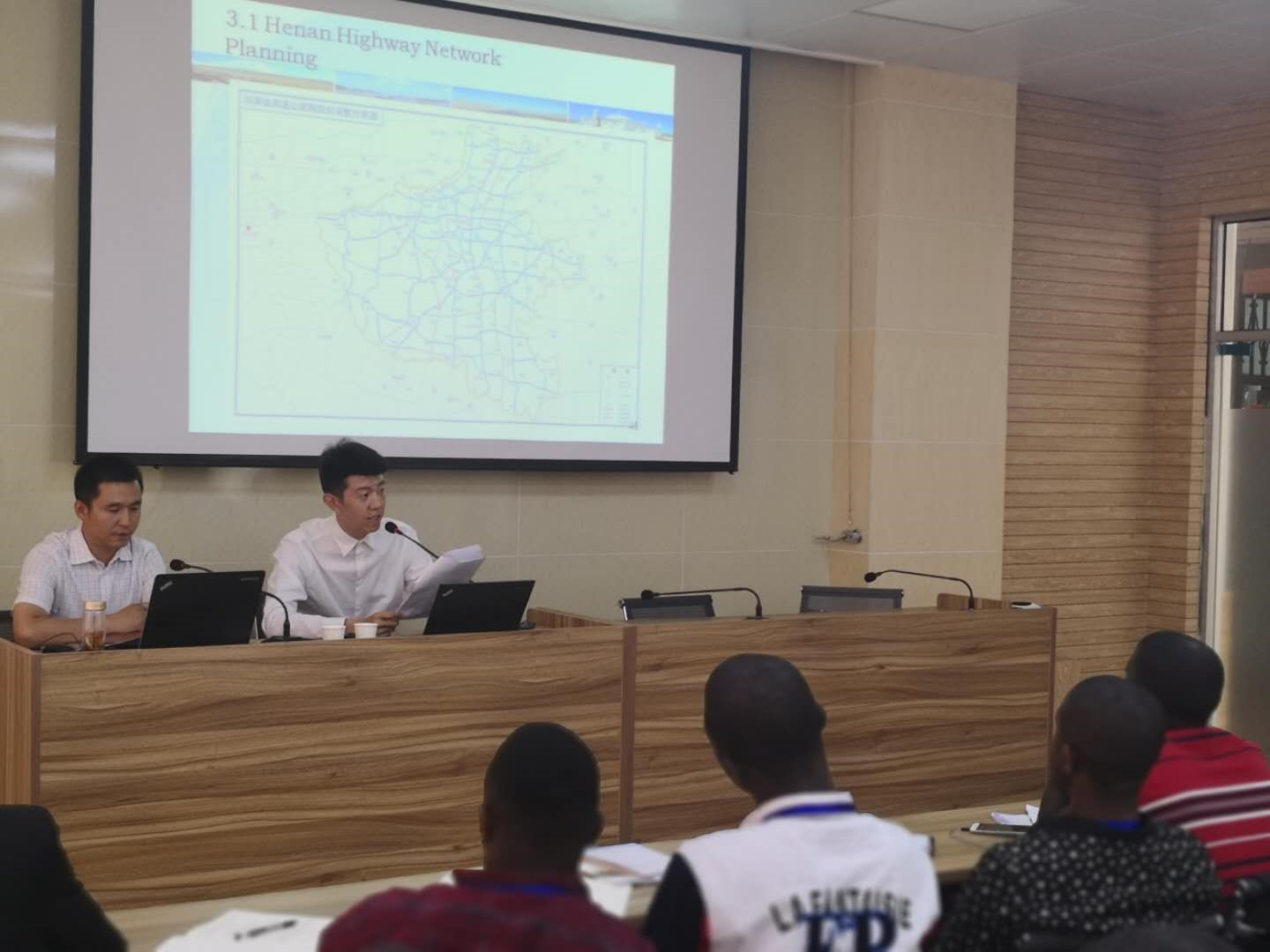 """Professors of Our Company Give Lessons to """"Sierra Leone Expressway Construction and Operation Management Class"""""""